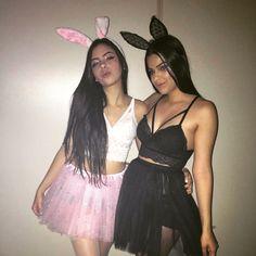 Playboy Bunny Costume Halloween, Cute Group Halloween Costumes, Trendy Halloween, Halloween Kostüm, Halloween Outfits, Halloween Kleidung, Fantasias Halloween, Halloween Disfraces, Photos