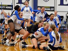 #DHS #DavisVolleyball #GoBigBlue  http://www.davisenterprise.com/sports/devils-are-on-track-for-volleyball-playoffs-after-win/