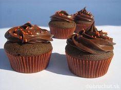Čokoládové cupcakes s lesklým čokoládovým krémom