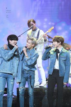 Jungkook, BamBam and Yugyeom ❤ BTS at the 2016 KBS Gayo Daechukje (161229) #BTS #방탄소년단