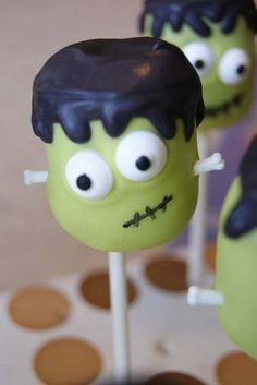 Frankenstein Halloween Cake Pop - So cute!!!
