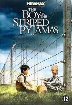 // John Boyne - De jongen in de gestreepte pyjama // In 1943 verhuist een kleine Duitse jongen met zijn vader, een militair, naar een vreemde plek waar joodse mensen in gestreepte pyjama's achter een hek leven. (Mark Herman, 2008)