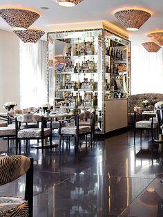 Cavalli // Las aventuras gastronómicas de Chanel, Dior, Burberry, Cavalli, Gucci y Ralph Lauren.