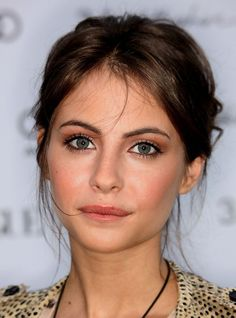 33 Examples of Everyday Natural Makeup Looks--Love the subtle eye definition!
