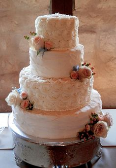 large rosettes on wedding cakes - Google Search