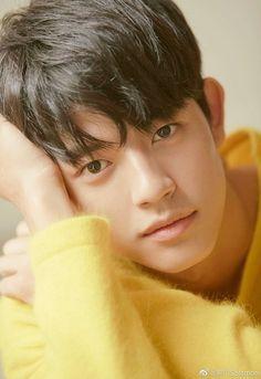 Handsome Korean Actors, Homescreen Wallpaper, Sweet Revenge, Solomon, Asian Boys, Clear Skin, Asian Beauty, Kdrama, Idol
