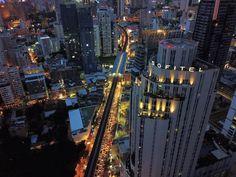 L'Appart 32 Flr Sofitel Sukhumvit near BTS Asok Bangkok Thailand Rooftop Bangkok, Sofitel Bangkok Sukhumvit, Rooftops, Bangkok Thailand, Times Square, Tourism, Places To Visit, Bts, Travel