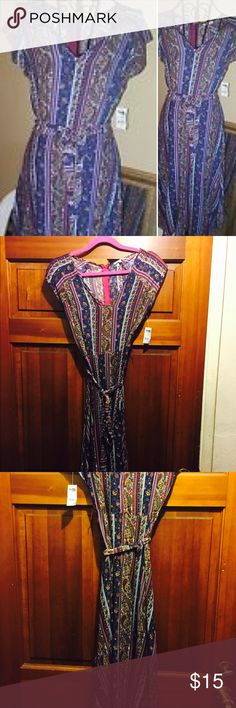 Vintage style paisley print dress NWT, paisley print belted dress with back zipper, stylish, beautiful fall colors of blue, plum and slight touches of pumpkin. Very on trend for fall, pairs well with boots, so cute and different. Charlotte Russe Dresses
