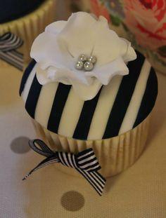 Black & White Stripe & Flower Cupcake