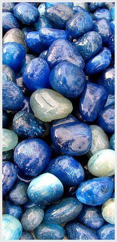 blue stones, pebbles- Prajakta P Stone Wallpaper, Wallpaper Space, Colorful Wallpaper, Flower Wallpaper, Wallpaper Backgrounds, Beautiful Nature Pictures, Beautiful Flowers Wallpapers, Beautiful Nature Wallpaper, Iphone Homescreen Wallpaper