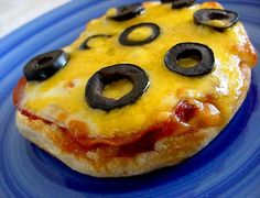 New Year's Eve Snack Idea for Kids - Little Mini Pizzas