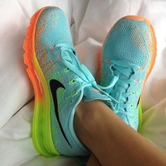 #ShareIG Happy first day of Spring!!Tag a Nike lover!! #repost--not me☺️