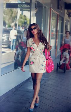 #OhMW Beyoncé wore our spring/summer 2009 rose-embroidered knit dress while out and about on tour in Australia.