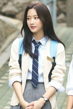 Beautiful Girl Image, Beautiful Boys, Korean Actresses, Korean Actors, Cute Boys Images, School Fashion, Photography Women, True Beauty, Suho