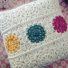 Another #crochet cushion, made using the square I designed for Issue 8 of Crafty Magazine xx