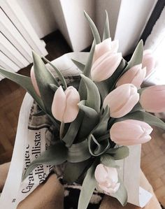 Find images and videos about pink, flowers and bouquet on We Heart It - the app to get lost in what you love. Flowers Nature, My Flower, Beautiful Flowers, Photowall Ideas, Orquideas Cymbidium, No Rain, Flower Aesthetic, Planting Flowers, Floral Arrangements