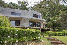 (De Carlos Salles Arquitetura e Interiores)