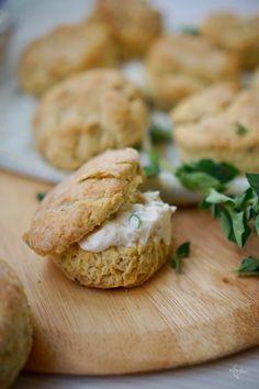 לחמניות גבינה מהירות - סקונס - מתכון מנצח, גבישס, בלוג האוכל של מירב גביש