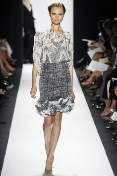 Carolina Herrera Spring 2009 Ready-to-Wear Fashion Show - Toni Garrn