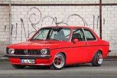 Opel Kadett C Limo: Shining Star - Fotostrecke General Motors, Preppy Car, Car Interior Decor, Car Essentials, Star Wars, Car Accessories For Girls, Vw Cars, Limousine, Shining Star