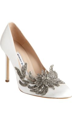#MANOLO BLAHNIK #Swan  #Barneys New York