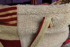 Misma cartera Napkin Rings, Napkins, Bags, Home Decor, Handbags, Decoration Home, Room Decor, Dinner Napkins, Taschen