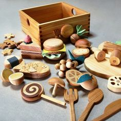 ll a natural wood kitchen play set made from different types of wood.: ll a natural wood kitchen play set made from different types of wood. Bebe Love, Wooden Food, Bois Diy, Natural Toys, Natural Play, Christmas Toys, Christmas 2016, Wood Toys, Wooden Baby Toys