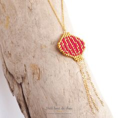 Loom Beading, Beading Patterns, Beading Ideas, Beaded Jewelry, Unique Jewelry, Beaded Necklaces, Gold Lanterns, Beading Projects, String Art