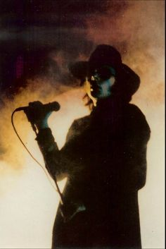 Andrew Eldritch, Sisters of Mercy Gothic Metal, Gothic Rock, The Cure Concert, Andrew Eldritch, Goth Music, Sisters Of Mercy, Sister Photos, New Wave, Beastie Boys