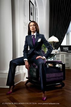 that Italiano tailored flow! A BusinessWM situation! You can buy PHC suits in London, UK 54 St. Formal Dresses For Women, Suits For Women, Clothes For Women, Suit Fashion, Work Fashion, Fashion Outfits, Power Dressing, Business Attire, Business Women