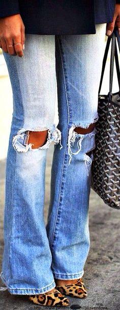 distressed jeans + black top + leopard shoes <3