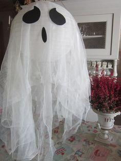 Vaporeux fantôme (moustiquaire+boule japonaise en papier)
