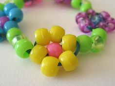The Paper Pony: How to Bead a Daisy Chain