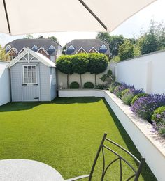 Small Backyard Ideas - Also if your backyard is small it also can be very comfy and also inviting. Having a small backyard does not indicate your backyard landscaping . Back Garden Design, Modern Garden Design, Terrace Design, Backyard Garden Design, Landscape Design, Fence Design, Small Garden Ideas Modern, Small Garden With Shed, Small Garden Ideas Artificial Grass