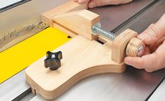 Micro-Adjust Ripping Jig | Woodsmith Tips
