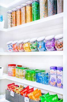 Rainbow snacks and cereal 🌈 Refrigerator Organization, Kitchen Organization Pantry, Home Organisation, Recipe Organization, Pantry Storage, Organized Pantry, Pantry Ideas, Diy Storage, Closet Organization