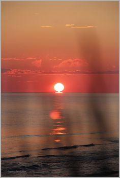 Sunrise on Prince Edward Island, Canada, lovely Nature Pictures, Cool Pictures, Red Sand Beach, Canadian Travel, Prince Edward Island, Anne Of Green Gables, Adventure Is Out There, Island Life, Places To See