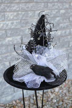 Moonlight Raven – Mini  Witch Hat