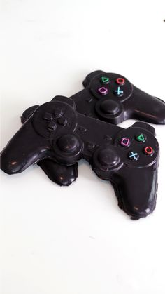 Now you can have your video games and eat the controllers too, with these sweet chocolate treats.