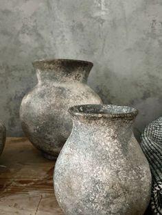 Shabby Chic Upcycling, Diy Design, Centerpiece Rentals, Diy Plaster, Flower Pot Design, Thrift Store Crafts, Antique Pottery, Concrete Art, Container Design