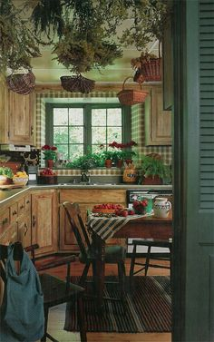 Most up-to-date Free of Charge Stunning Rustic Farmhouse Style Kitchen Decorating Ideas Thoughts To build a traditional-looking country house, it's possible to make reference to the next outside Farmhouse Kitchen Tables, Rustic Farmhouse, Farmhouse Kitchens, Farmhouse Ideas, French Farmhouse, Rustic Kitchen Design, Vintage Kitchen, Old Kitchen, Küchen Design