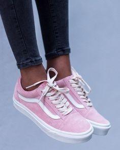 2af1d3bcbeaa Sneakers of the Month  Vans Old Skool - Pose   Repeat
