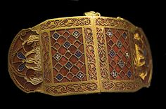 Sutton.Hoo.ShoulderClasp2.RobRoy - Anglo-Saxon art - Wikipedia, the free encyclopedia