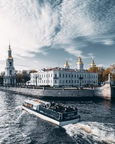 Крюков Канал и Николо-Богоявленский Морской собор/ Kryukov Canal and St. Nicholas Naval Cathedral, St. Petersburg