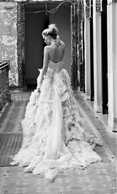 Wedding Gown ruffled wedding dress - Ruffled wedding dresses are romantic, dramatic and they make an impact. Take a look at some of the most beautiful, ruffled wedding dresses. Perfect Wedding, Dream Wedding, Wedding White, Wedding Beauty, Amelia Wedding, Perfect Bride, Luxury Wedding, Destination Wedding, Bridal Gowns