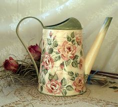 Vintage style Shabby chic watering can Tea Rose floral gift Flower vase Garden galvanized watering can Metal watering can Mother's Day gift