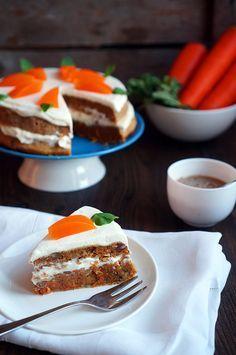 Скажу честно, я большой поклонник необычных десертов и вкусовых сочетаний. Когда-то давно я очень удивился, что бывает морковный торт, а потом стал искать хороший р�…