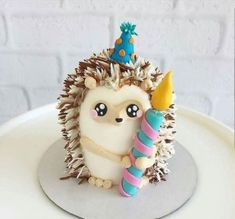 Hedgehog cake for First Birthday party kuchen ostern rezepte torten cakes desserts recipes baking baking baking Fancy Cakes, Mini Cakes, Cupcake Cakes, Dog Cakes, Fondant Cakes, Fondant Bow, Crazy Cakes, Fondant Flowers, Pretty Cakes