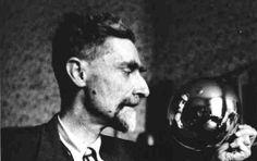Maurits Escher http://www.famous-mathematicians.com/maurits-escher/