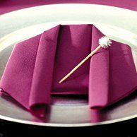 1000 images about pour une jolie table on pinterest noel napkins and tables - Pliage serviette chemise ...